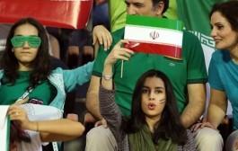 عکس حضور دختران ایرانی در دیدار ایران – عمان