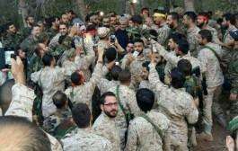 عکس سلفی سربازان با سرلشکر قاسم سلیمانی