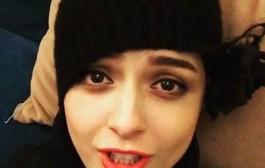 کلیپ آواز خواندن ترانه علیدوستی در اینستاگرام به خاطر ۱ میلیونی شدنش